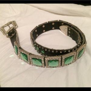 Woman's belt